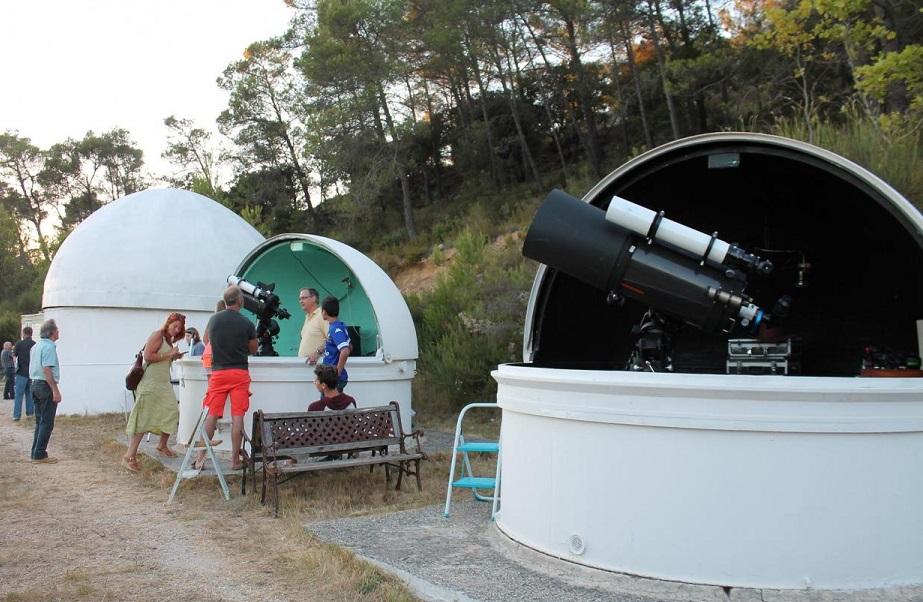 L'Observatoire et ses trois d�mes